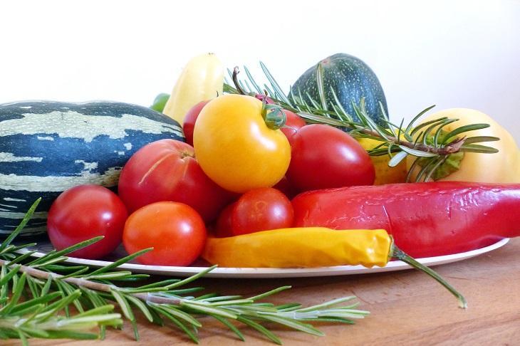 Sommerküche Essen Und Trinken : Locker leichte sommerküche marinierter spargel erdbeer salat